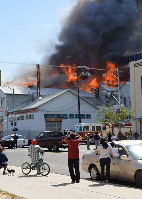 Firefighters battled a large fire at an abandoned building in Downtown Fresno on Saturday. <span class=meta>Facebook / Nancy C'est la Vie</span>