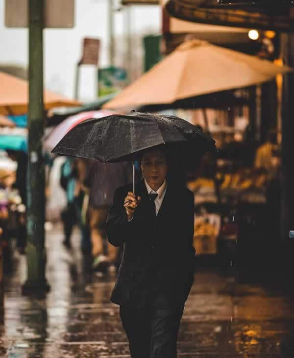 "<div class=""meta image-caption""><div class=""origin-logo origin-image none""><span>none</span></div><span class=""caption-text"">A man walks down the street with an umbrella in Oakland, Calif. on Sunday, January 8, 2017. Share your rain photos using #abc7now. (Photo submitted to KGO-TV by ruffdraft_/Instagram)</span></div>"