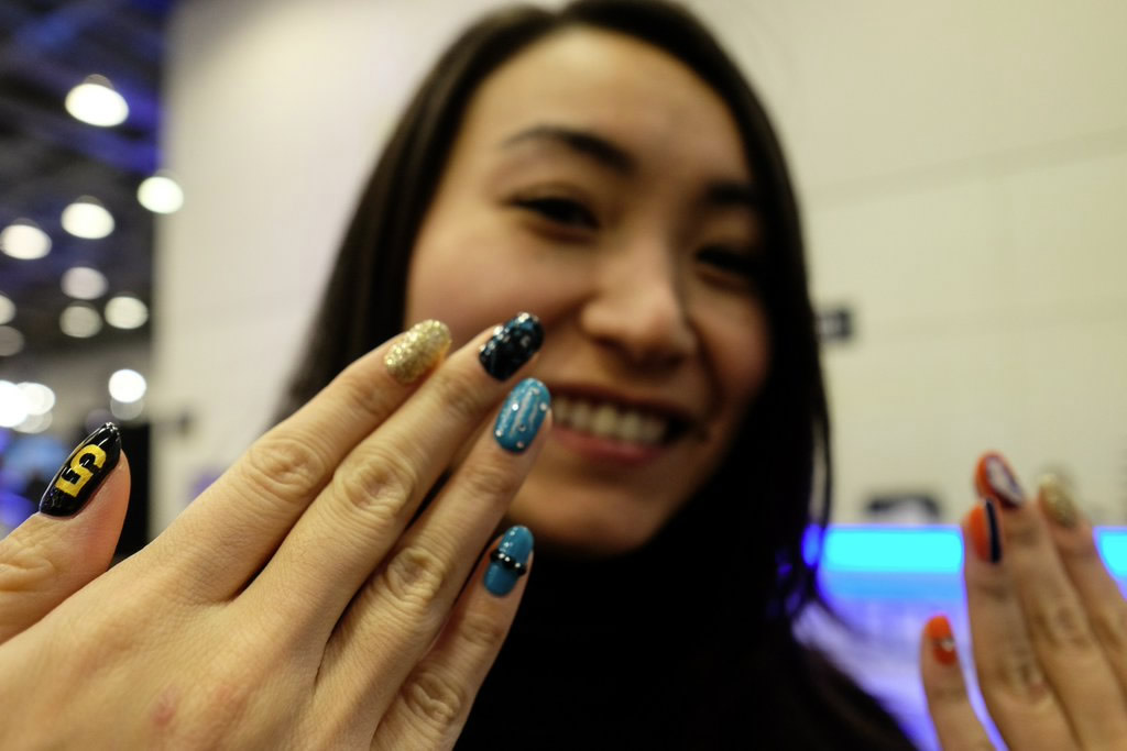 <div class='meta'><div class='origin-logo' data-origin='none'></div><span class='caption-text' data-credit='KGO-TV/Wayne Freedman'>This football fan from Japan shows off nails and has no team bias in San Jose on Monday, Feb. 1, 2016.</span></div>