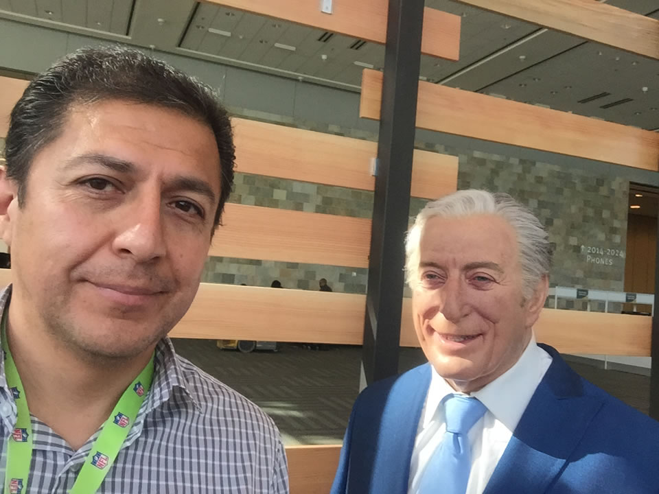 <div class='meta'><div class='origin-logo' data-origin='none'></div><span class='caption-text' data-credit='KGO-TV'>ABC7 videographer Juan Carlos Guerrero took a selfie with a wax figurine of Tony Bennett in San Francisco on Thursday, February 4, 2016.</span></div>