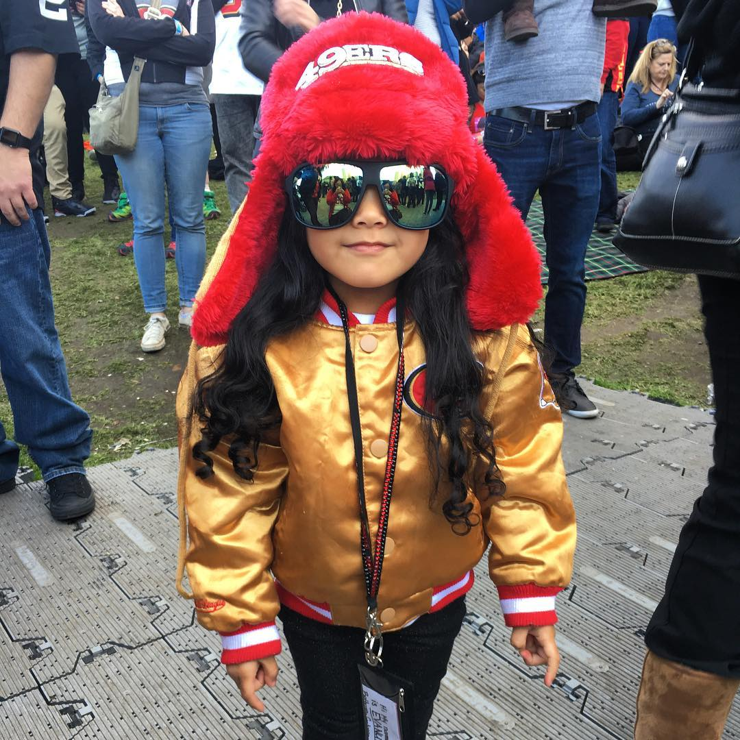 <div class='meta'><div class='origin-logo' data-origin='none'></div><span class='caption-text' data-credit='Photo submitted to KGO-TV by evanuimanuia/Instagram'>Football fans across the Bay Area show their football spirit on Super Bowl Sunday, February 7, 2016. Tag your Super Bowl 50 photos with #abc7now.</span></div>
