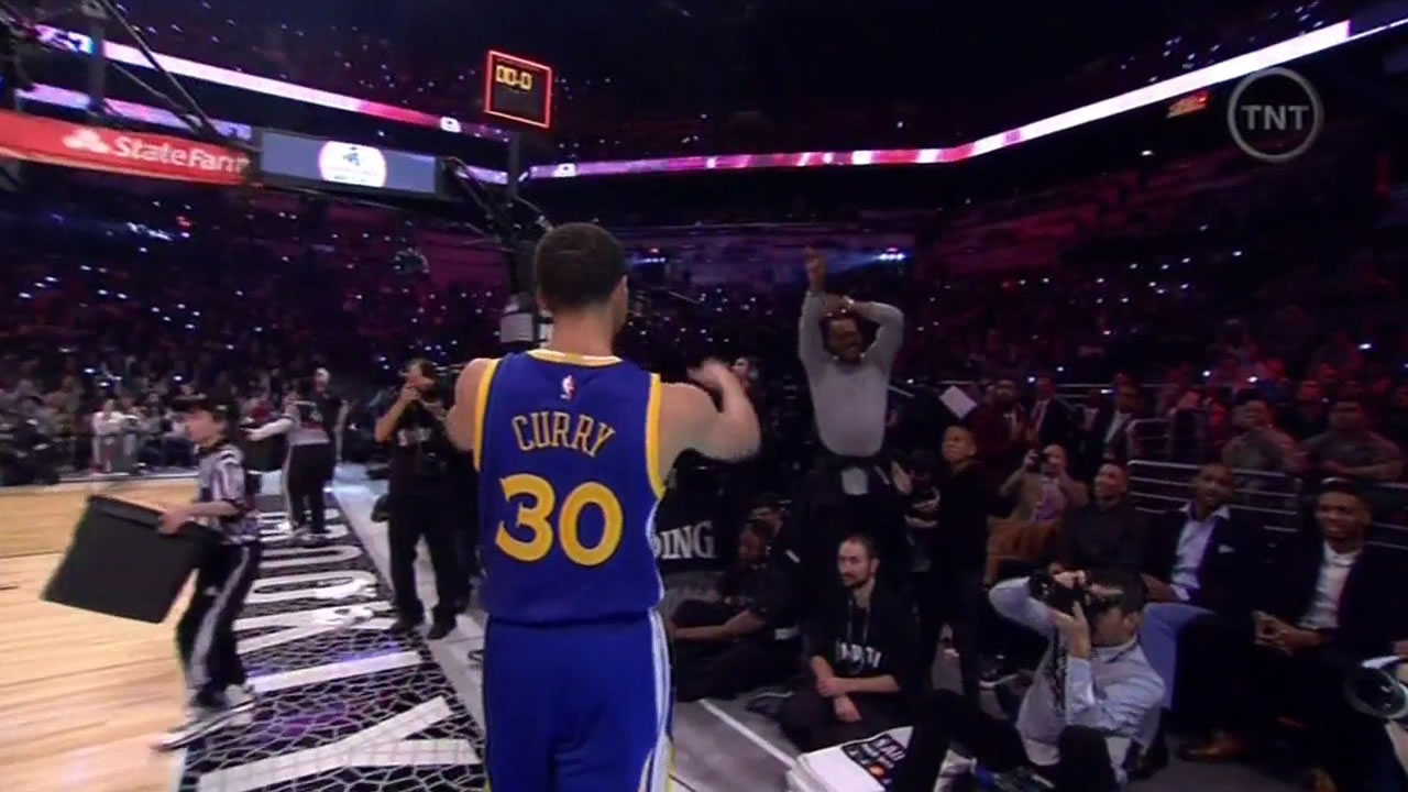 """<div class=""""meta image-caption""""><div class=""""origin-logo origin-image kgo""""><span>KGO</span></div><span class=""""caption-text"""">Stephen Curry being cheered on during the NBA All-Star weekend, Saturday, Feb. 14, 2015.</span></div>"""