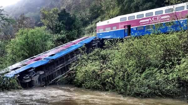 <div class='meta'><div class='origin-logo' data-origin='none'></div><span class='caption-text' data-credit='Photo submitted to KGO-TV by Stefan Stifter/Twitter'>An ACE train that derailed near Sunol, Calif. is pictured on Tuesday, March 8, 2016.</span></div>
