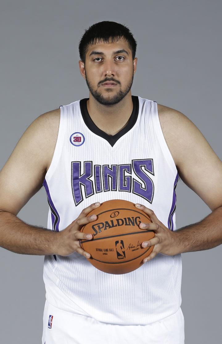 ESPN: Sacramento Kings to sign Sim Bhullar, who would be ...