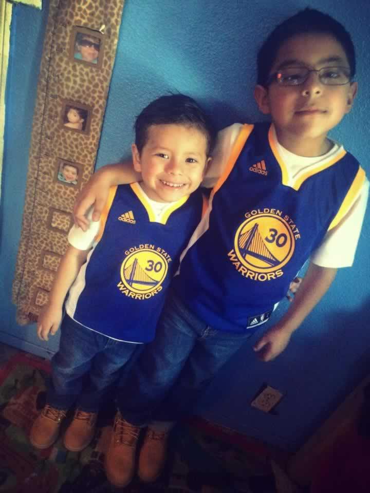 <div class='meta'><div class='origin-logo' data-origin='KGO'></div><span class='caption-text' data-credit='Photo submitted by Lorena Gonzalez/Facebook'>Lorena Gonzalez captured this cute photo of two young Golden State Warriors fans! Send your fan photos to uReport@kgo-tv.com!</span></div>
