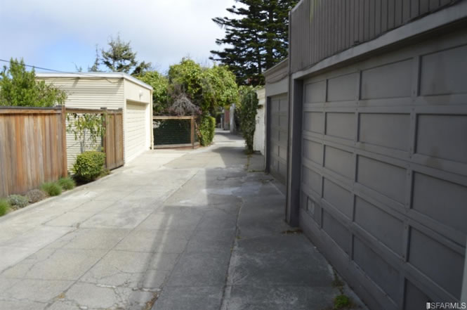 "<div class=""meta image-caption""><div class=""origin-logo origin-image none""><span>none</span></div><span class=""caption-text"">This image shows a driveway that's listed for sale in San Francisco for $35,000. (Redfin)</span></div>"