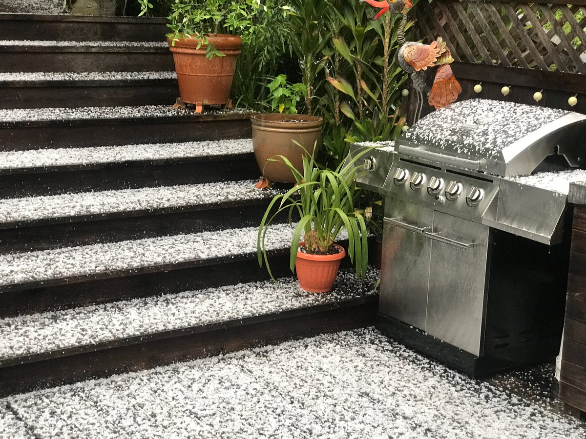<div class='meta'><div class='origin-logo' data-origin='none'></div><span class='caption-text' data-credit='Photo submitted to KGO-TV by @PtRichSue/Twitter'>Hail is seen in Point Richmond, Calif. on Monday, April 16, 2018.</span></div>