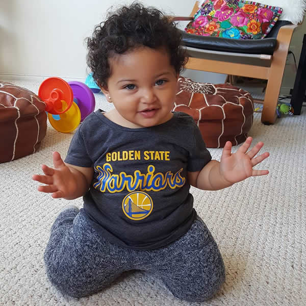 <div class='meta'><div class='origin-logo' data-origin='none'></div><span class='caption-text' data-credit='Photo submitted to KGO-TV by @kimarina/Instagram'>We want to see your fan pride Dub Nation, so tag your photos #DubsOn7 and we may feature them here or show them on TV.</span></div>