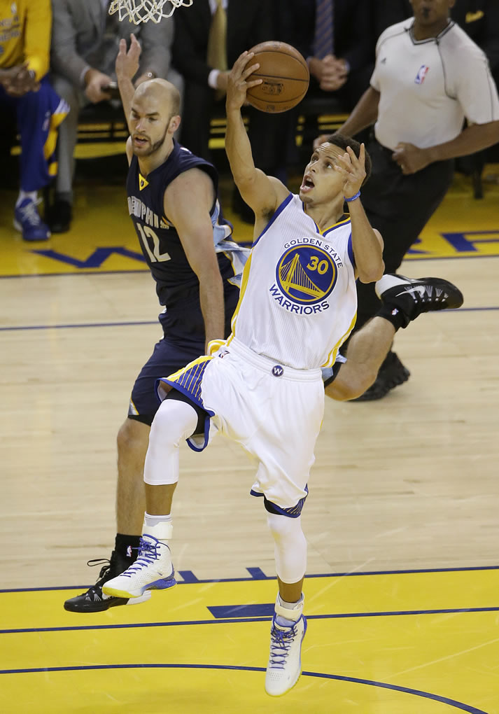 <div class='meta'><div class='origin-logo' data-origin='none'></div><span class='caption-text' data-credit='AP Photo/Jeff Chiu'>Golden State Warriors guard Steph Curry shoots against Memphis Grizzlies guard Nick Calathes during a second-round NBA playoff basketball series in Oakland, Calif., May 3, 2015.</span></div>