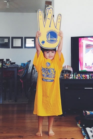 <div class='meta'><div class='origin-logo' data-origin='none'></div><span class='caption-text' data-credit='Photo sent to KGO-TV by @ginstagramm /Instagram'>Golden State Warriors fans are showing off their #DubNation pride! Tag your photos on Facebook, Twitter, Google Plus, or Instagram using #DubOn7!</span></div>