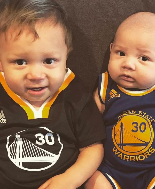<div class='meta'><div class='origin-logo' data-origin='none'></div><span class='caption-text' data-credit='Twitter/TessIsBlabbing'>Warriors fans are sharing their Dub Nation pride by tagging photos #DubsOn7.</span></div>