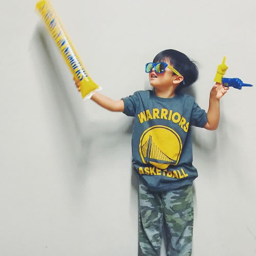 <div class='meta'><div class='origin-logo' data-origin='none'></div><span class='caption-text' data-credit='Photo submitted by ginstagramm via Instagram'>This young Warriors fan is ready for the big game! Tag your photos on Facebook, Twitter, Google Plus, or Instagram using #DubsOn7!</span></div>