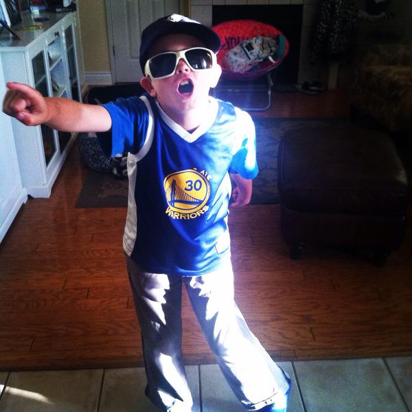 <div class='meta'><div class='origin-logo' data-origin='none'></div><span class='caption-text' data-credit='Photo submitted to KGO-TV by @CalBearAud/Twitter'>This Warriors fan is ready for the Western Conference finals! Tag your photos on Facebook, Twitter, Google Plus, or Instagram using #DubsOn7.</span></div>