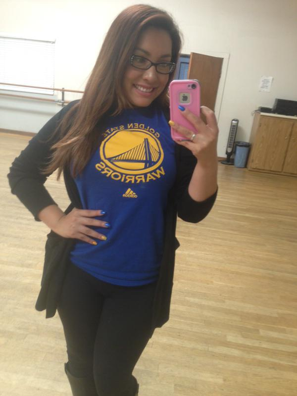 <div class='meta'><div class='origin-logo' data-origin='none'></div><span class='caption-text' data-credit='Photo submitted by @MsARobles via Twitter'>This Warriors fan is rocking both Warriors gear AND nails! Tag your photos on Facebook, Twitter, Google Plus, or Instagram using #DubsOn7.</span></div>