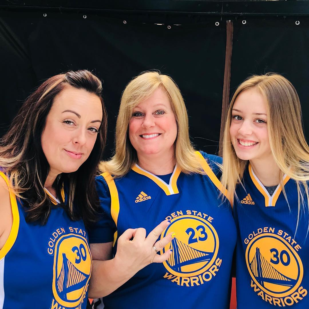 <div class='meta'><div class='origin-logo' data-origin='none'></div><span class='caption-text' data-credit='Photo submitted to KGO-TV by @miss_christy66/Instagram'>Warriors fans show their spirit during the 2017-2018 season. Share your photos using #DubsOn7 and you may see them online or on TV!</span></div>