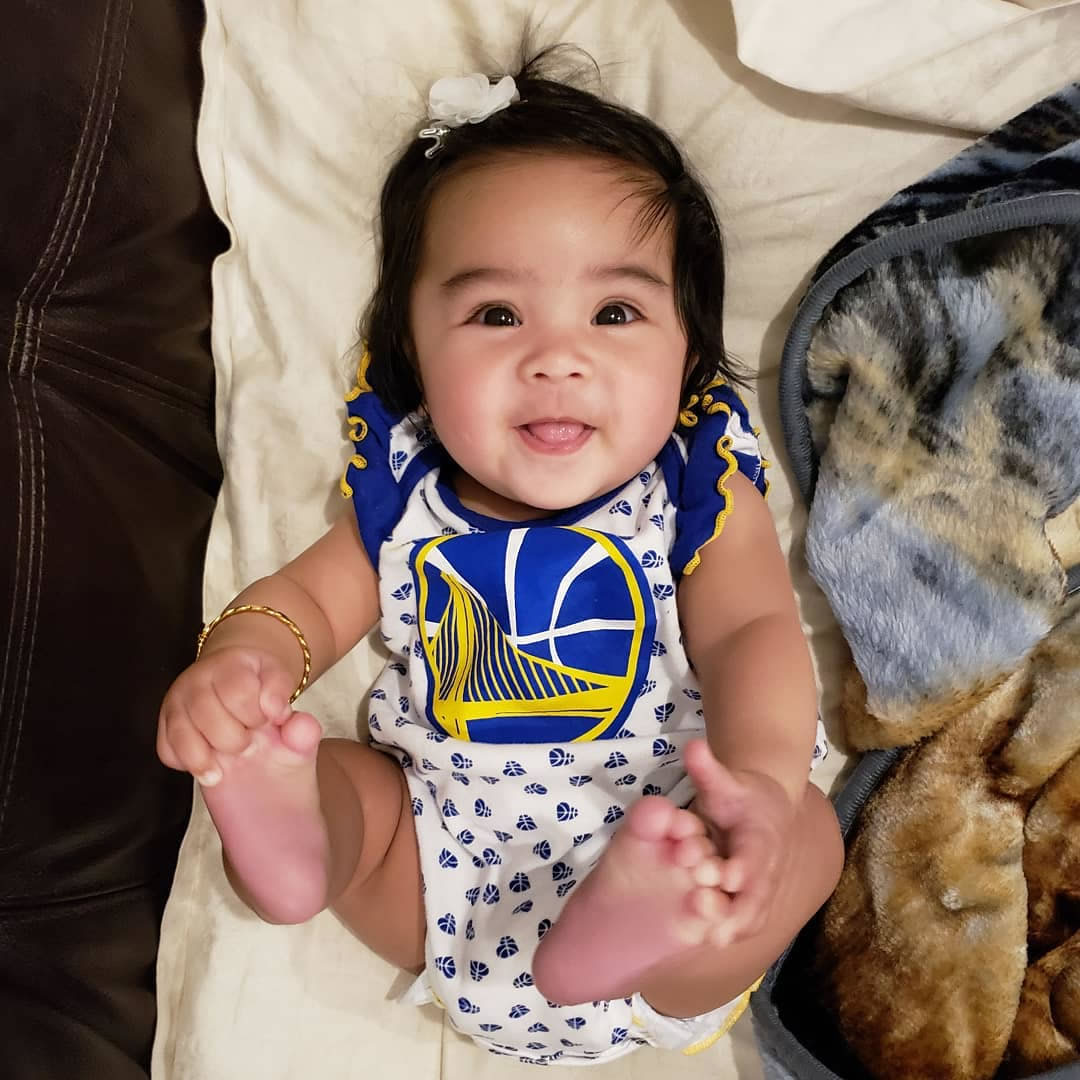 <div class='meta'><div class='origin-logo' data-origin='none'></div><span class='caption-text' data-credit='Photo submitted to KGO-TV by @ken_valdez/Instagram'>Warriors fans show their spirit during the 2017-2018 season. Share your photos using #DubsOn7 and you may see them online or on TV!</span></div>