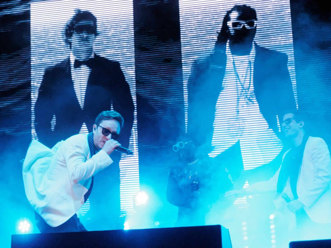 <div class='meta'><div class='origin-logo' data-origin='none'></div><span class='caption-text' data-credit='KGO-TV'>The Lonely Island is seen performing with T-Pain at Clusterfest in San Francisco, Calif. on June 1, 2018.</span></div>