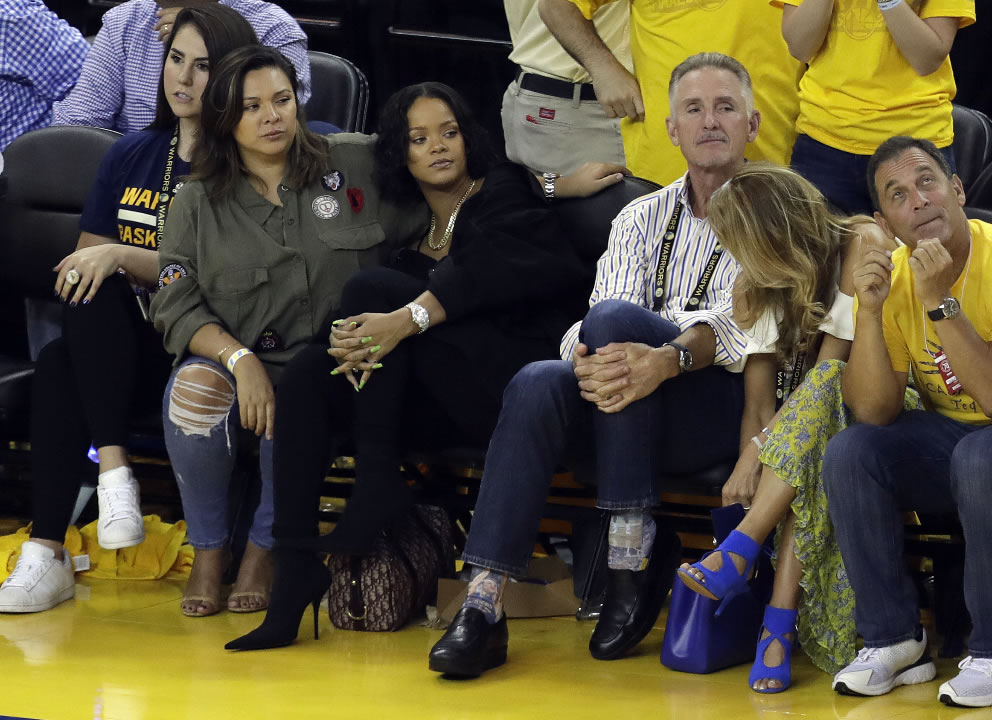 Photos Celebrities At The Warriors Cavs 2017 Nba Finals