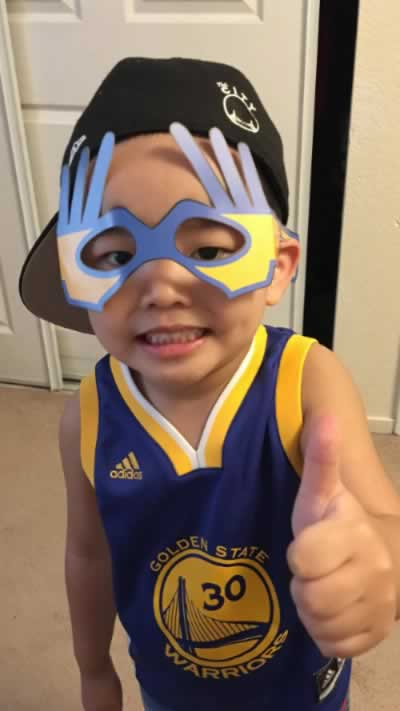 <div class='meta'><div class='origin-logo' data-origin='none'></div><span class='caption-text' data-credit='Photo by Ferdinand Garcia/Facebook'>A young Warriors fan gives a thumbs up in a photo shared on Thursday, June 8, 2017.</span></div>
