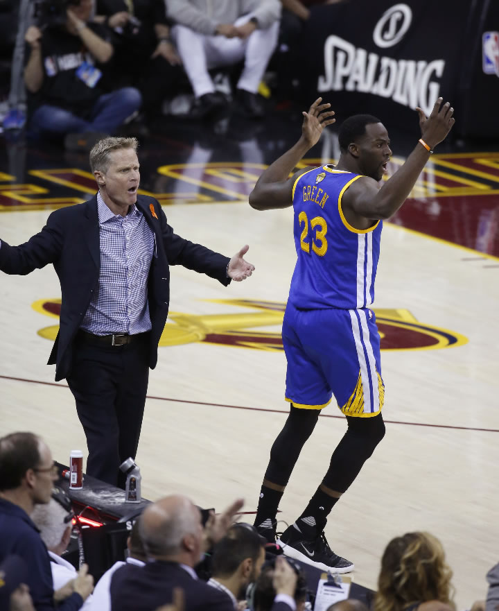 """<div class=""""meta image-caption""""><div class=""""origin-logo origin-image none""""><span>none</span></div><span class=""""caption-text"""">Warriors coach Steve Kerr and Draymond Green (23) react to a foul call during the first half of Game 4 in the NBA Finals against the Cavs in Cleveland, Friday, June 9, 2017. (AP Photo/Ron Schwane)</span></div>"""