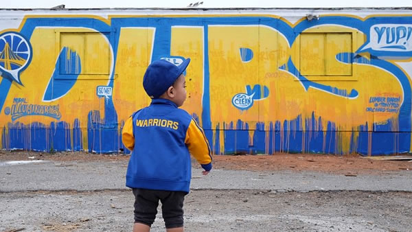 <div class='meta'><div class='origin-logo' data-origin='none'></div><span class='caption-text' data-credit='Photo submitted to KGO-TV by rodel/Instagram'>He fits right in with the Warriors mural! Tag your photos on Facebook, Twitter, Google Plus or Instagram using #DubsOn7.</span></div>