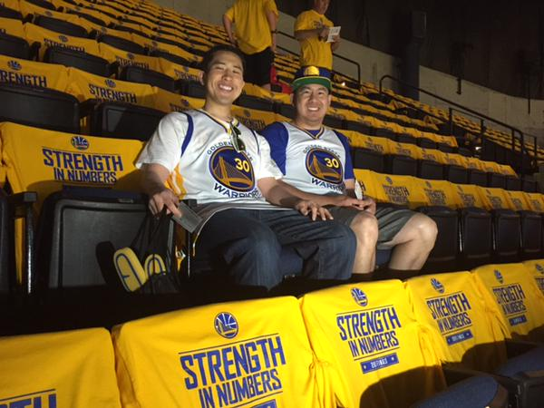 <div class='meta'><div class='origin-logo' data-origin='none'></div><span class='caption-text' data-credit='KGO-TV'>Look who Michael Finney found inside Oracle Arena during Game 5 of the NBA Finals on Sunday, June 14, 2015 --- Warriors fan Henry Yu!</span></div>