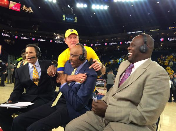 <div class='meta'><div class='origin-logo' data-origin='none'></div><span class='caption-text' data-credit='KGO-TV'>Look who crashed After the Game on Sunday, June 14, 2015 on ABC7 - hall of famer Rick Barry!</span></div>