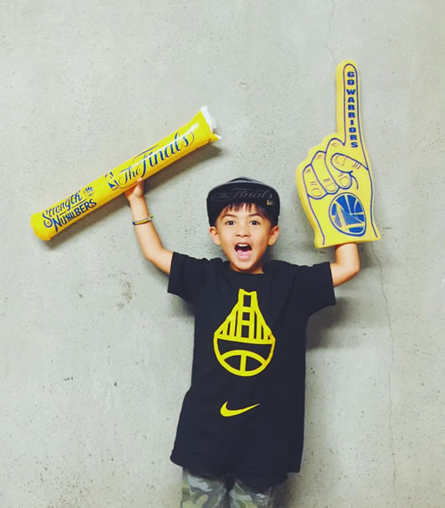 <div class='meta'><div class='origin-logo' data-origin='none'></div><span class='caption-text' data-credit='Photo submitted to KGO-TV by @ginstagramm/Instagram'>We want to see your fan pride, so tag your photos #DubsOn7 and we may feature them here or on TV.</span></div>