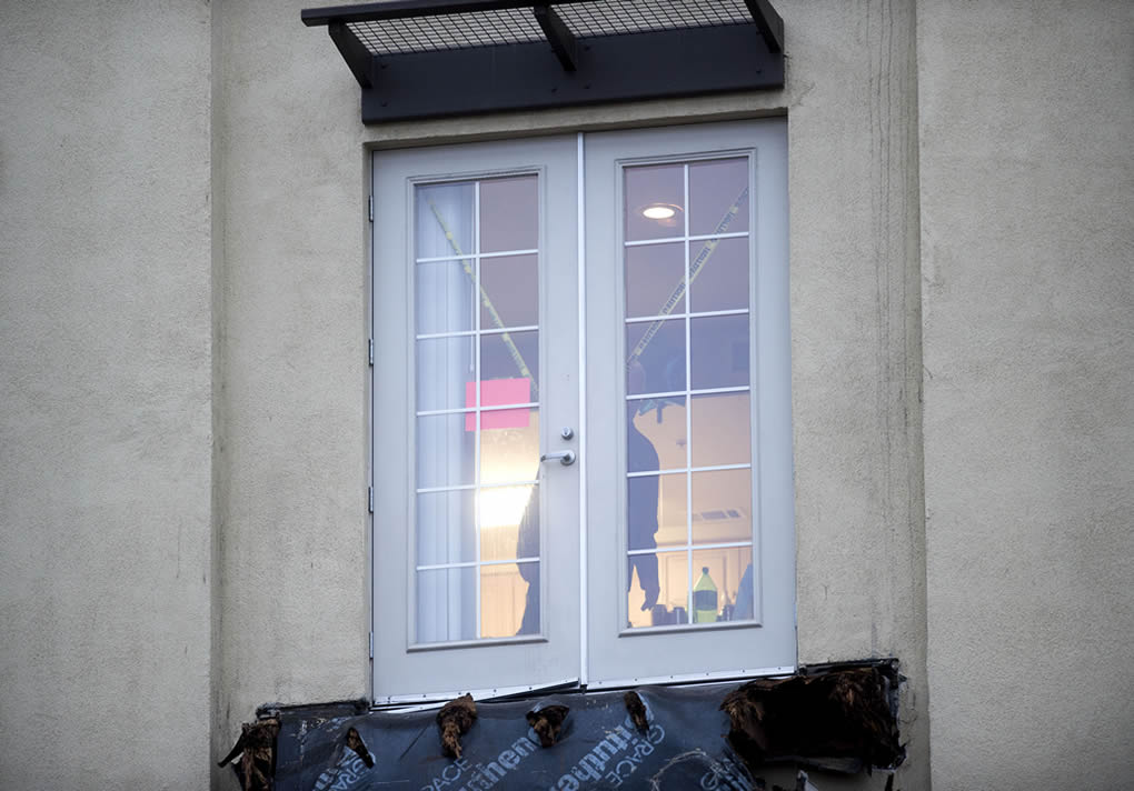 <div class='meta'><div class='origin-logo' data-origin='none'></div><span class='caption-text' data-credit='AP Photo/Noah Berger'>Exposed building material marks where a balcony collapsed in Berkeley, Calif. on Tuesday, June 16, 2015.</span></div>