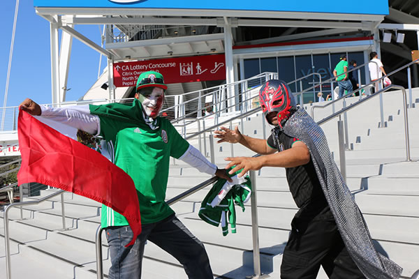 "<div class=""meta image-caption""><div class=""origin-logo origin-image none""><span>none</span></div><span class=""caption-text"">Fans watch Chile vs. Mexico at Copa America at Levi's Stadium in Santa Clara, Calif. on Sunday, June 18, 2016. (KGO-TV)</span></div>"