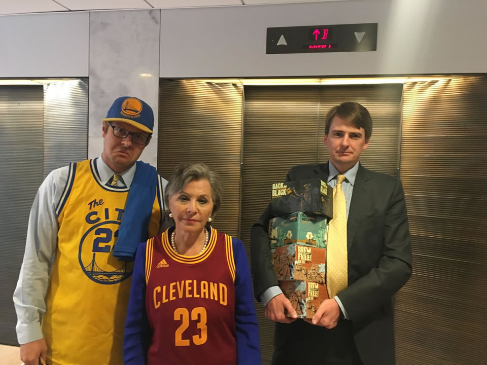 "<div class=""meta image-caption""><div class=""origin-logo origin-image none""><span>none</span></div><span class=""caption-text"">Senator Barbara Boxer settled a friendly wager over the Warriors-Cavs NBA Finals series with Ohio Senator Sherrod Brown on Wednesday, June 22, 2016 in Washington. (Barbara Boxer)</span></div>"