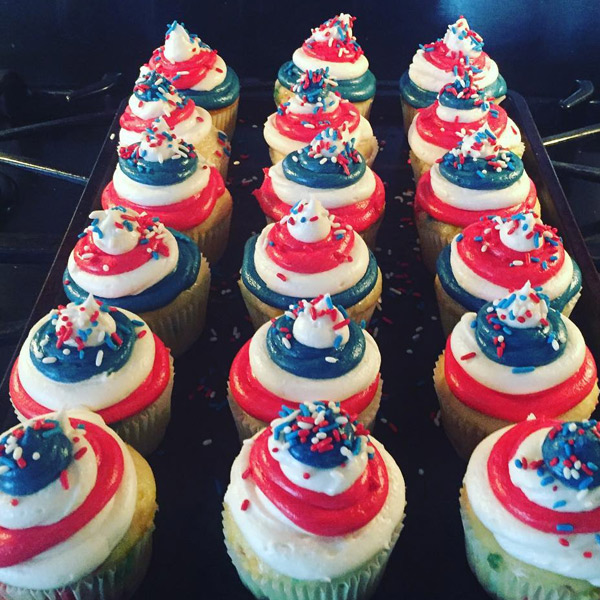 """<div class=""""meta image-caption""""><div class=""""origin-logo origin-image none""""><span>none</span></div><span class=""""caption-text"""">See how people celebrated 4th of July festivities all around the Bay Area!  Thanks for sharing your cupcakes photo with ABC7. (Photo sent to KGO-TV by robskitchen1/Instagram)</span></div>"""