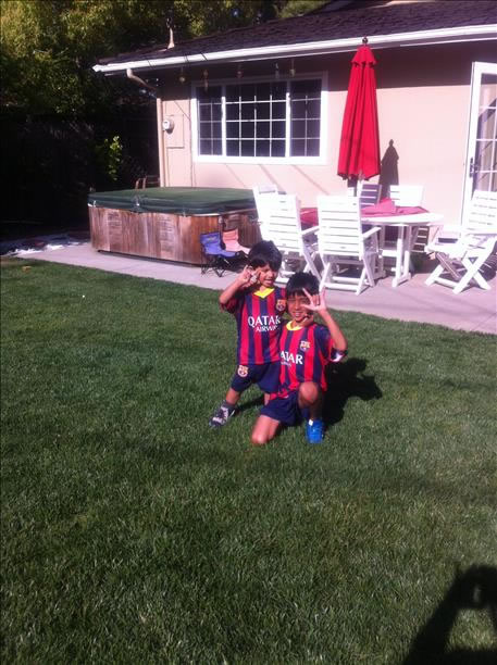 Aarav and Rio are big Messi fans! Keep sending in your World Cup fan photos! <span class=meta>photo submitted by Hema Mathur via uReport</span>