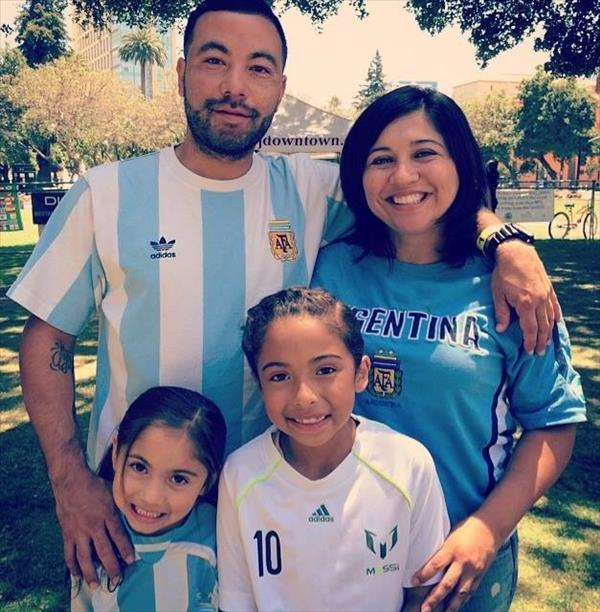 Family representing Argentina! Keep sending in your World Cup fan photos! <span class=meta>photo submitted by Leslie Muniz via uReport</span>