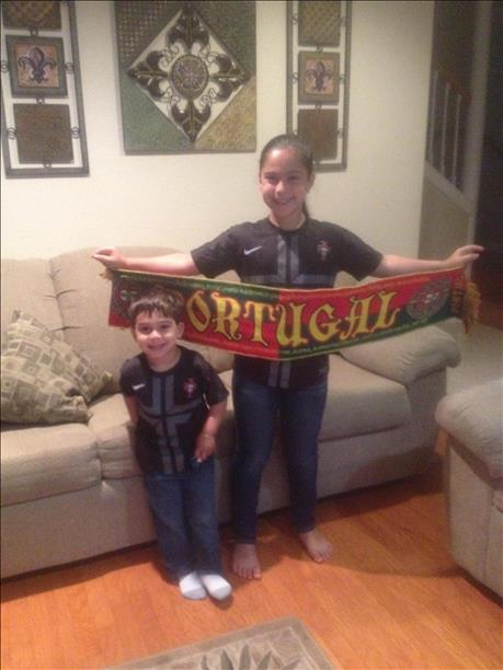 "<div class=""meta ""><span class=""caption-text "">Portugal fans! Keep sending in your World Cup fan photos! (photo submitted by Helen Alves via uReport)</span></div>"