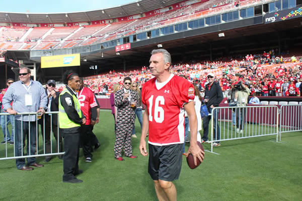 "<div class=""meta image-caption""><div class=""origin-logo origin-image ""><span></span></div><span class=""caption-text"">49ers legends play final game at Candlestick Park.  Behind the scenes photos taken by our ABC7 News Fan Reporter! (KGO Photo/ Bernard Galang)</span></div>"