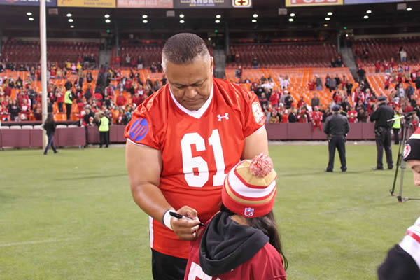 49ers legends play final game at Candlestick Park.  Behind the scenes photos taken by our ABC7 News Fan Reporter! <span class=meta>KGO Photo/ Bernard Galang</span>