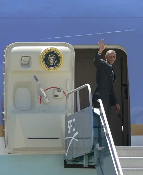 "<div class=""meta image-caption""><div class=""origin-logo origin-image ""><span></span></div><span class=""caption-text"">President Obama waves goodbye to the press. (ABC7 News/Wayne Freedman)</span></div>"