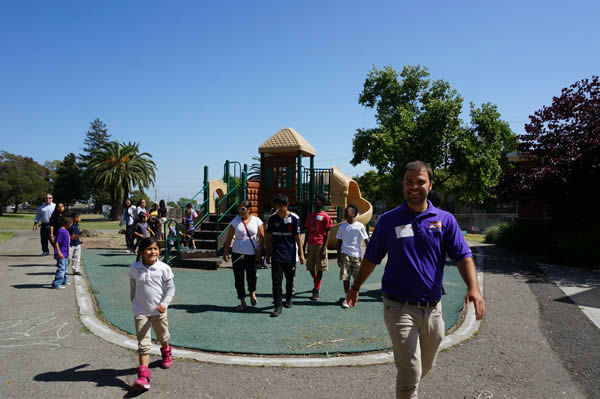 "<div class=""meta ""><span class=""caption-text "">To design the new playground at Concordia Park, we called in the experts...Kids, parents and community members from the Millsmont neighborhood in Oakland! (KGO Photo)</span></div>"