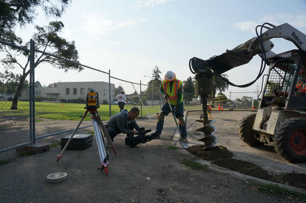 "<div class=""meta ""><span class=""caption-text "">Community members and Disney VoluntEARS (yep, that includes us here at ABC7!) roll up their sleeves to get Concordia Park ready for the big Build Day! (KGO Photo)</span></div>"