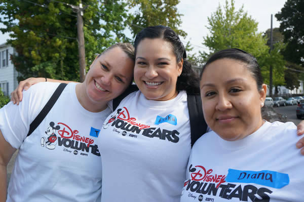 Community members and Disney VoluntEARS (yep, that includes us here at ABC7!) roll up their sleeves to get Concordia Park ready for the big Build Day! <span class=meta>KGO Photo</span>