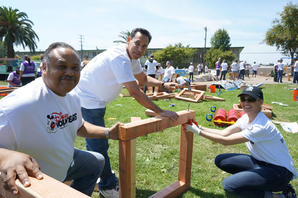 "<div class=""meta ""><span class=""caption-text "">Wow! Look at what a community can accomplish in ONE day. ABC7 is proud to be part of Concordia Park! We believe #playmatters #whereyoulive</span></div>"