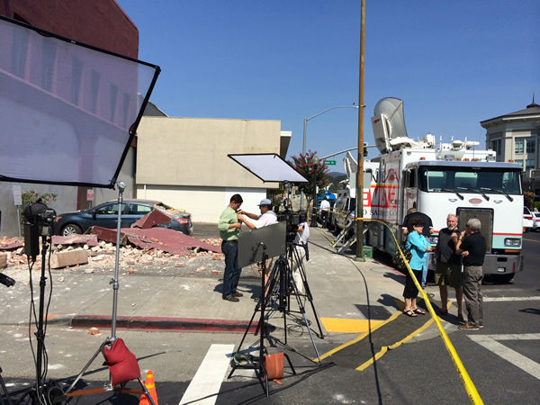 "<div class=""meta ""><span class=""caption-text "">ABC7 News in Napa Valley to report on earthquake damage in the area. (KGO Photo/ Richard Epting)</span></div>"