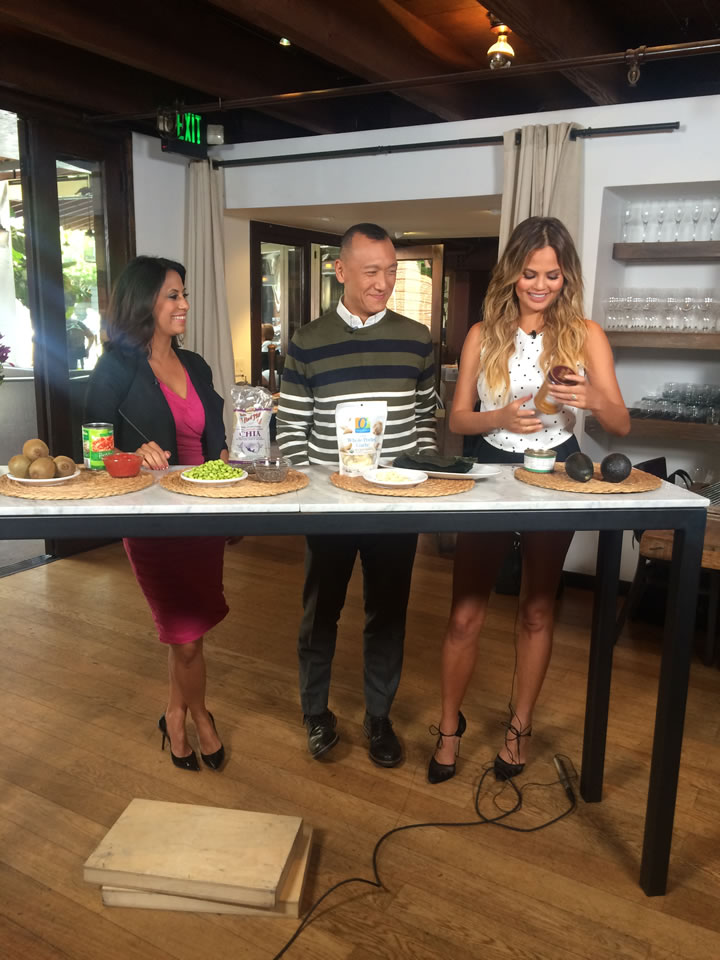 """<div class=""""meta image-caption""""><div class=""""origin-logo origin-image none""""><span>none</span></div><span class=""""caption-text"""">Bay Area LIFE Host Lizzie Bermudez and 'FABLife' Lifestylists Chrissy Teigen and Joe Zee talk about super foods at Piperade in San Francisco on Monday, August 10, 2015. (KGO-TV)</span></div>"""