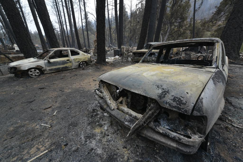 <div class='meta'><div class='origin-logo' data-origin='none'></div><span class='caption-text' data-credit='KGO-TV'>Shells are all that remain of cars in Anderson Springs, Calif. on Monday, September 14, 2015 after the Valley Fire ripped through the area.</span></div>