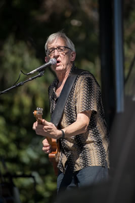 "<div class=""meta image-caption""><div class=""origin-logo origin-image ""><span></span></div><span class=""caption-text"">Bill Kirchen & Too Much perform at the 2014 Hardly Strictly Bluegrass music festival. (Wayne Freedman )</span></div>"