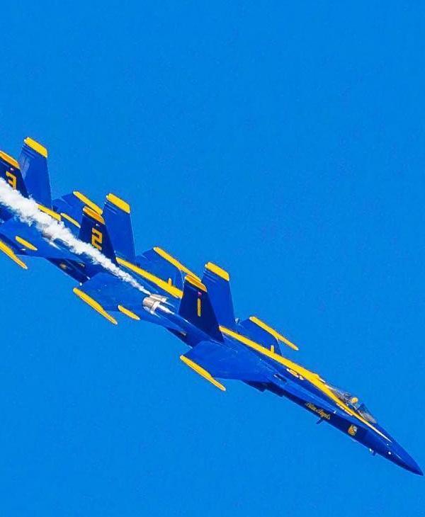 <div class='meta'><div class='origin-logo' data-origin='none'></div><span class='caption-text' data-credit='Photo submitted by @pallavvyas/Instagram'>The Blue Angels are seen flying over San Francisco, Calif. on Sunday, October 9, 2016.</span></div>