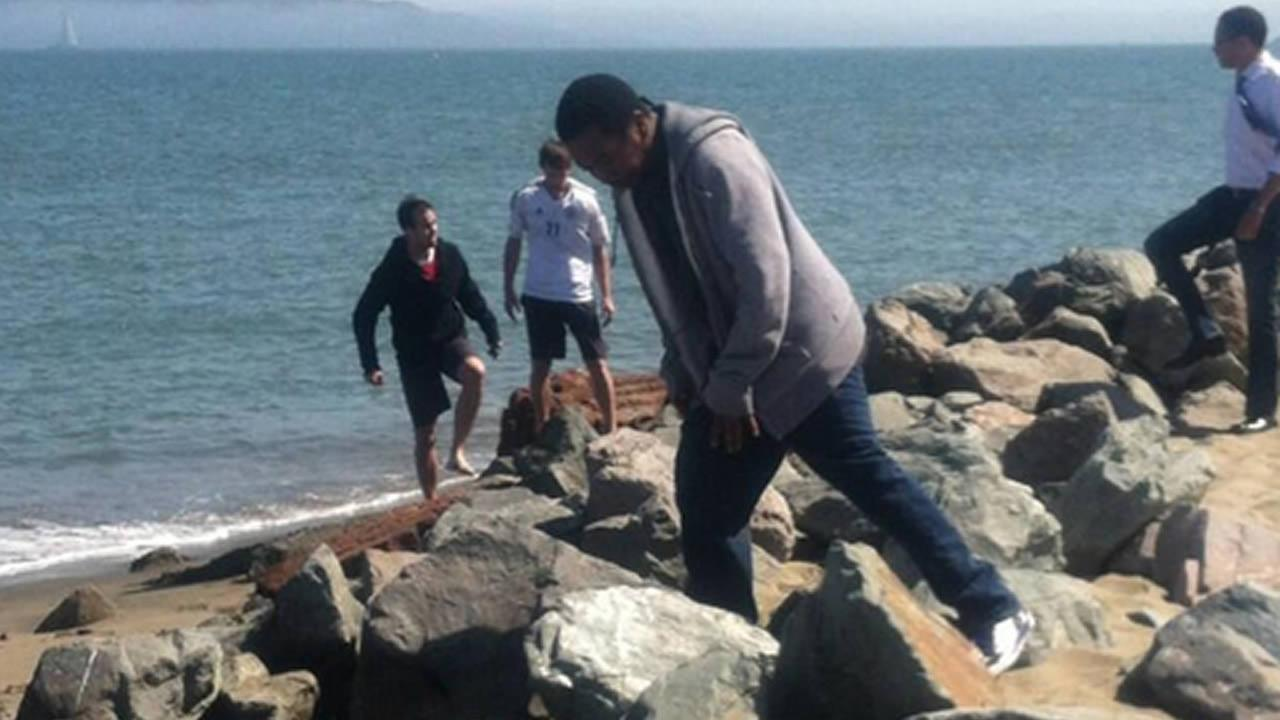Another Hidden Cash drop lured people to the beach at San Franciscos Crissy Field Sunday morning.