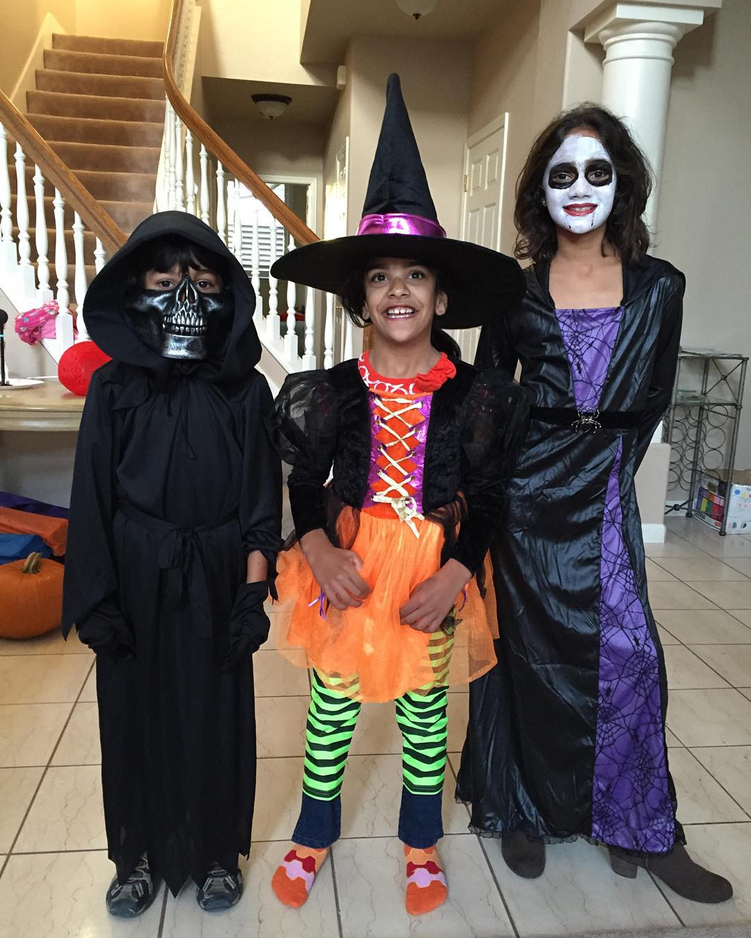 "<div class=""meta image-caption""><div class=""origin-logo origin-image none""><span>none</span></div><span class=""caption-text"">Sandhya Patel shared this adorable pic of her ghoulish bunch before their school parade. Share your Halloween photos on social media using #SpookyOn7! (KGO-TV)</span></div>"