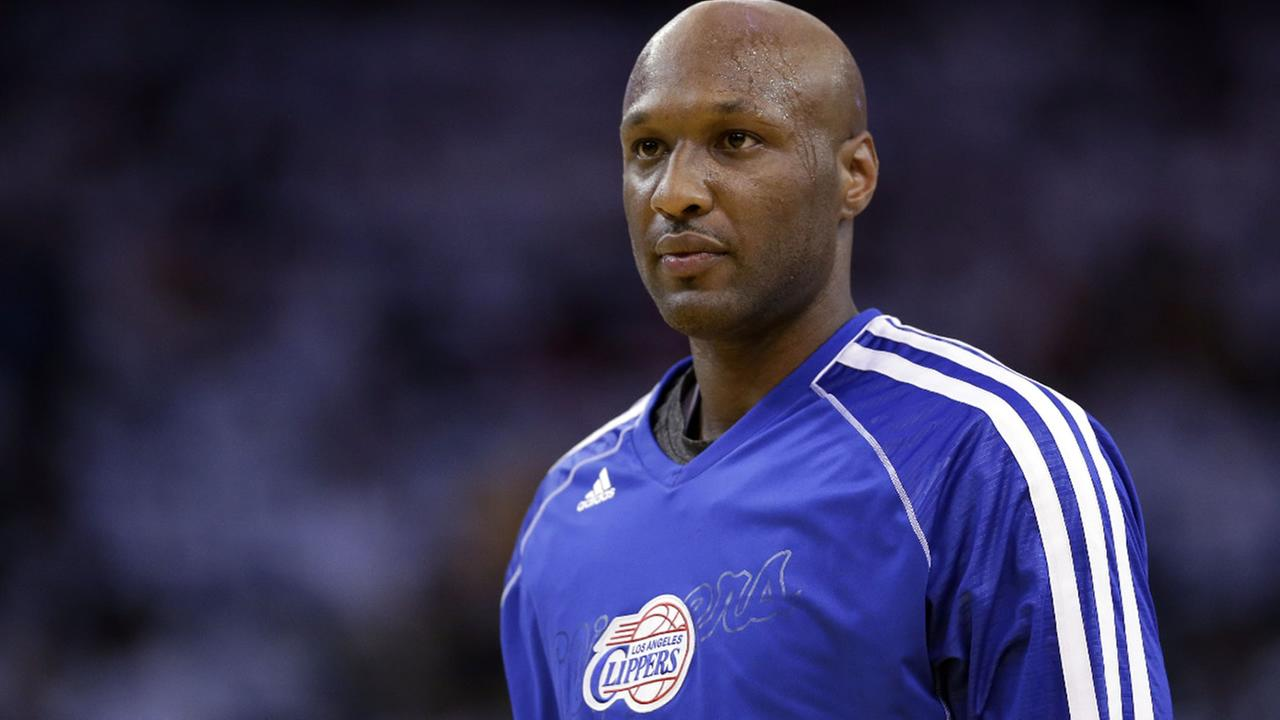 This Jan. 2, 2013 file photo shows Los Angeles Clippers Lamar Odom (7) in action against the Golden State Warriors during an NBA basketball game in Oakland, Calif. (AP Photo)